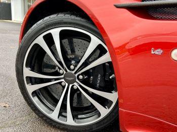 Aston Martin V12 Vantage S Roadster S 2dr Sportshift III image 15 thumbnail