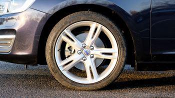 Volvo V60 D4 SE Lux Nav Auto, Winter Illumination & Family Pack, Sunroof, BLIS, VAT Reclaimable image 3 thumbnail