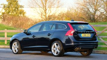 Volvo V60 D4 SE Lux Nav Auto, Winter Illumination & Family Pack, Sunroof, BLIS, VAT Reclaimable image 6 thumbnail