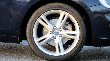 Volvo V60 D4 SE Lux Nav Auto, Winter Illumination & Family Pack, Sunroof, BLIS, VAT Reclaimable image 13 thumbnail