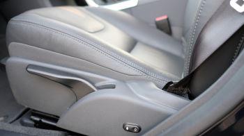 Volvo V60 D4 SE Lux Nav Auto, Winter Illumination & Family Pack, Sunroof, BLIS, VAT Reclaimable image 26 thumbnail