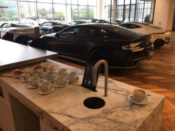 Aston Martin DB9 V12 2dr Volante Touchtronic image 3 thumbnail