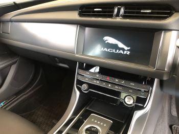 Jaguar XF 2.0d 180 R-Sport image 18 thumbnail
