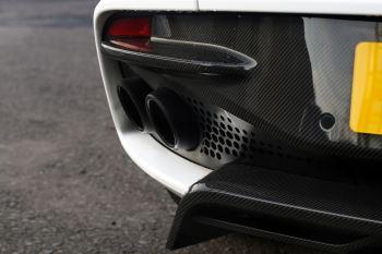 Aston Martin DBS V12 Superleggera 2dr Touchtronic image 14 thumbnail