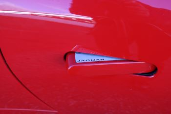 Jaguar F-TYPE 3.0 Supercharged V6 R-Dynamic 2dr image 7 thumbnail