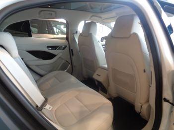 Jaguar I-PACE 90kWh EV400 HSE image 13 thumbnail
