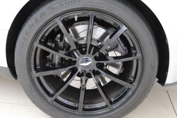 Aston Martin DB11 V12 AMR 2dr Touchtronic image 13 thumbnail