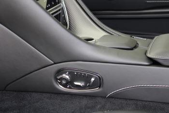 Aston Martin DB11 V12 AMR 2dr Touchtronic image 17 thumbnail