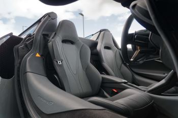 McLaren 720S Spider V8 2dr SSG image 26 thumbnail