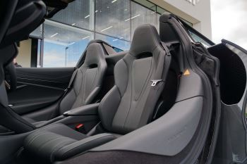 McLaren 720S Spider V8 2dr SSG image 47 thumbnail