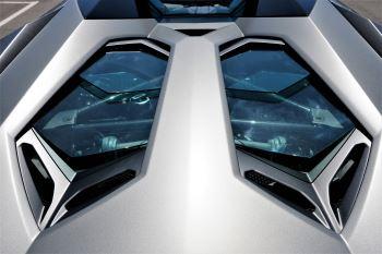 Lamborghini Aventador SV Roadster Superveloce LP 750-4 ISR image 12 thumbnail