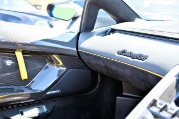 Lamborghini Aventador SV Roadster Superveloce LP 750-4 ISR image 29 thumbnail