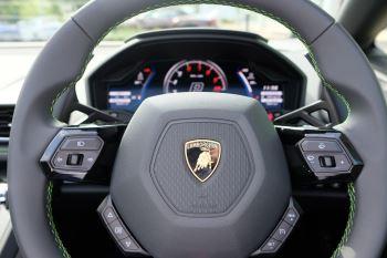 Lamborghini Huracan EVO Spyder 5.2 V10 640 2dr Auto AWD image 13 thumbnail