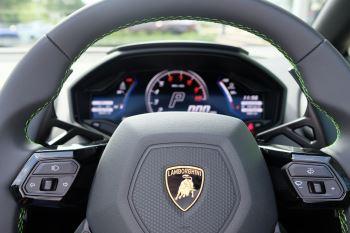 Lamborghini Huracan EVO Spyder 5.2 V10 640 2dr Auto AWD image 14 thumbnail