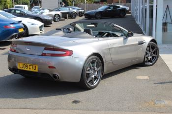 Aston Martin V8 Vantage Roadster 2dr Sportshift image 16 thumbnail