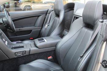 Aston Martin V8 Vantage Roadster 2dr Sportshift image 11 thumbnail