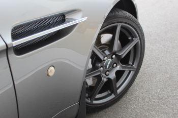 Aston Martin V8 Vantage Roadster 2dr Sportshift image 5 thumbnail