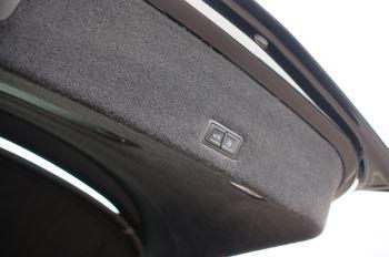 Lamborghini Urus 4.0T FSI V8 5dr Auto image 13 thumbnail