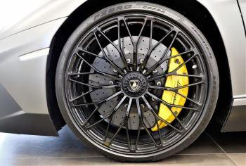 Lamborghini Aventador SV Roadster Superveloce LP 750-4 ISR image 9 thumbnail