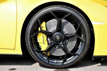 Lamborghini Huracan EVO Spyder LP 640-4 image 9 thumbnail