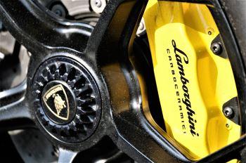 Lamborghini Huracan EVO Spyder LP 640-4 image 10 thumbnail