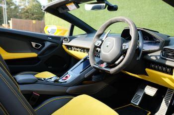 Lamborghini Huracan EVO Spyder LP 640-4 image 13 thumbnail