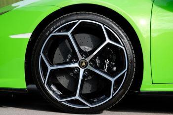 Lamborghini Huracan EVO 5.2 V10 640 2dr Auto AWD image 9 thumbnail