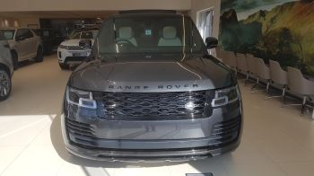 Land Rover Range Rover 3.0 P400 Vogue image 2 thumbnail