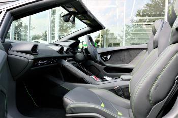 Lamborghini Huracan EVO Spyder 5.2 V10 640 2dr Auto AWD image 6 thumbnail