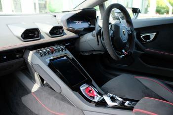 Lamborghini Huracan EVO LP 640-4 5.2 AWD image 7 thumbnail