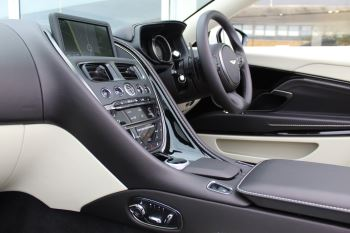 Aston Martin DB11 Volante V8 Twin Turbo image 7 thumbnail