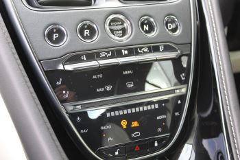 Aston Martin DB11 Volante V8 Twin Turbo image 24 thumbnail