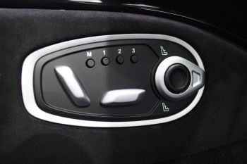 Aston Martin New Vantage 2dr image 21 thumbnail