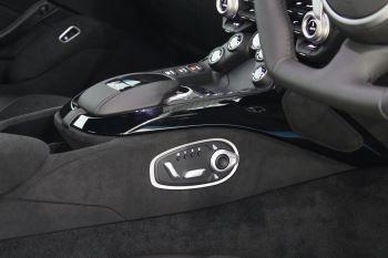 Aston Martin New Vantage 2dr image 28 thumbnail