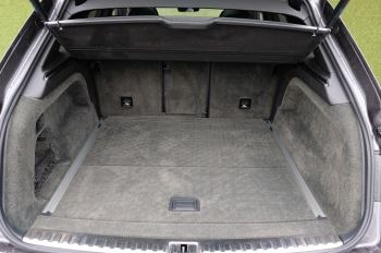 Bentley Bentayga 4.0 V8 5dr - Mulliner Driving Specification image 9 thumbnail