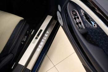 Bentley Continental GT 4.0 V8 Mulliner Edition Auto [Tour Spec] image 19 thumbnail
