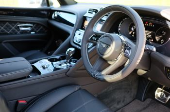 Bentley Bentayga 4.0 V8 First Edition 5dr Auto - Mulling Driving Specification image 12 thumbnail
