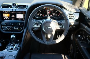 Bentley Bentayga 4.0 V8 First Edition 5dr Auto - Mulling Driving Specification image 14 thumbnail