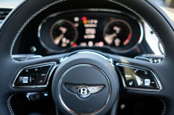 Bentley Bentayga 4.0 V8 First Edition 5dr Auto - Mulling Driving Specification image 20 thumbnail