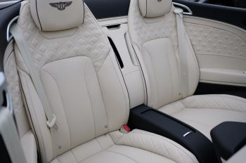 Bentley Continental GTC 4.0 V8 Mulliner Driving Spec 2dr Auto [Tour Spec] image 10 thumbnail