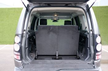 Land Rover Discovery 3.0 SDV6 HSE Luxury 5dr image 7 thumbnail