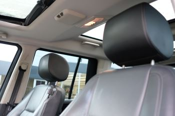 Land Rover Discovery 3.0 SDV6 HSE Luxury 5dr image 20 thumbnail