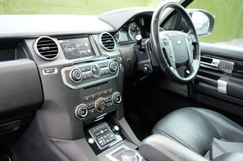 Land Rover Discovery 3.0 SDV6 HSE Luxury 5dr image 21 thumbnail