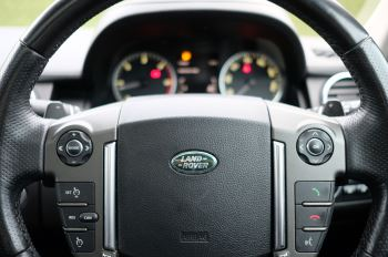 Land Rover Discovery 3.0 SDV6 HSE Luxury 5dr image 22 thumbnail