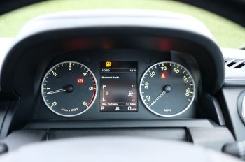 Land Rover Discovery 3.0 SDV6 HSE Luxury 5dr image 23 thumbnail