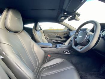 Aston Martin DB11 V12 AMR Touchtronic image 13 thumbnail