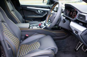 Lamborghini Urus 4.0T FSI V8 5dr Auto - Akrapovic exhaust & Exterior Carbon image 14 thumbnail