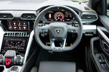 Lamborghini Urus 4.0T FSI V8 5dr Auto - Akrapovic exhaust & Exterior Carbon image 20 thumbnail