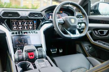 Lamborghini Urus 4.0T FSI V8 5dr Auto - Akrapovic exhaust & Exterior Carbon image 21 thumbnail