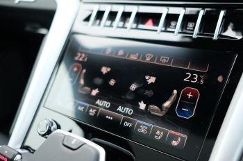 Lamborghini Urus 4.0T FSI V8 5dr Auto - Akrapovic exhaust & Exterior Carbon image 28 thumbnail